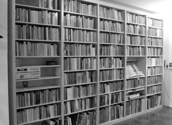 Fonga Woodworksa Boekenkast